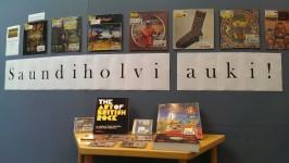 Saundiholvin eli Tikkurilan musiikkivaraston aineistoa on ollut esillä Kallion kirjastossa syyskuusta 2014 alkaen.