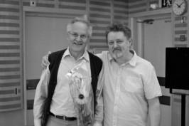 Musiikkikirjastovaikuttajat Kyösti Mäkelä ja Heikki Poroila saivat Metsossa tunnustukset Suomen musiikkikirjastoyhdistys ry:ltä sekä Suomen kirjastoseuralta.
