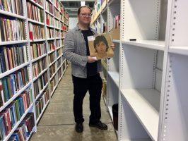 Varastokirjastossa on runsas LP-levyjen kokoelma. Toimitus pääsi tutustumaan varastointiratkaisuihin 20.syyskuuta 2018 järjestetyn kokoelmayhdyshenkilötapaamisen yhteydessä. Kuva: Sirpa Janhonen.