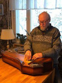 Juha Kuorttinen esiintyy Lappeenrannan pääkirjastossa Kalevalan päivänä torstaina 28. helmikuuta 2019.