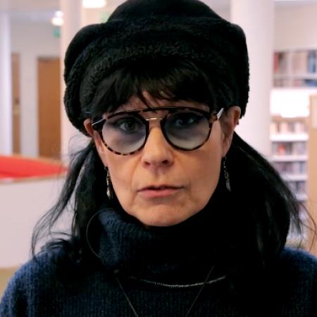 Katso video: muusikko Aija Puurtisen Löytoretki musiikkiosastolla Töölön kirjastossa.