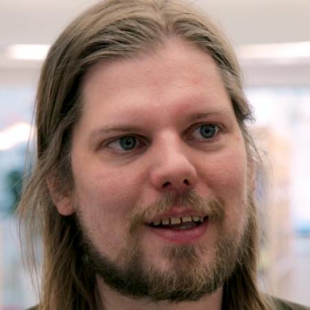 Jukka Nousiainen nostaa Metson musiikkiosastolta esiin bokseja, kotimaisia pienjulkaisuja ja elektronisen musiikin historiaa.