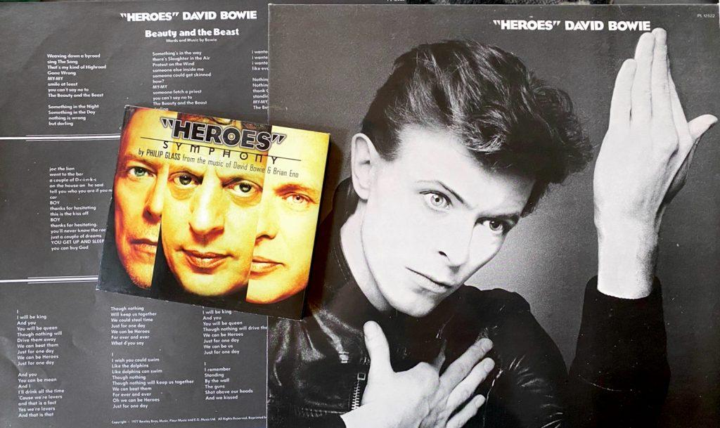 """Philip Glass sävelsi """"Heroes"""" Symphonyn rockmuusikko David Bowien albumin """"Heroes"""" innoittamana. Vuonna 1977 julkaistulla levyllä oli mukana myös Brian Eno. Kuva: Tuomas Pelttari"""