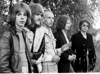 Wigwam vuonna 1969. Ronnie Österberg (vas.), Mats Huldén, Vladimir 'Nikke' Nikamo, Jukka Gustavson ja Jim Pembroke. Kuva: Mårten Huldén.
