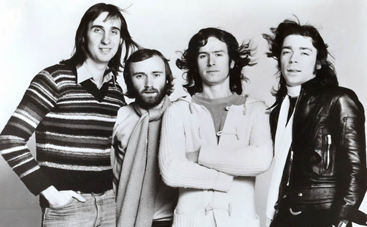 Genesis vuonna 1976. Mike Rutherford (vas.), Phil Collins, Tony Banks ja Steve Hackett.