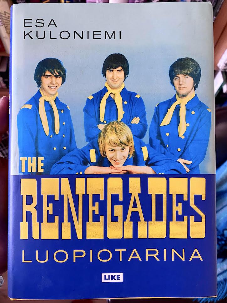 Esa Kuloniemen kirjoittama The Renegades -historiikki Luopiotarina julkaistiin vuonna 2017. Kuva: Tuomas Pelttari