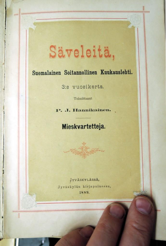 Tikkurilan musiikkivarastosta löytyy runsaasti myös harvinaista aineistoa. Kuvassa Säveleitä vuosikerta vuodelta 1889.