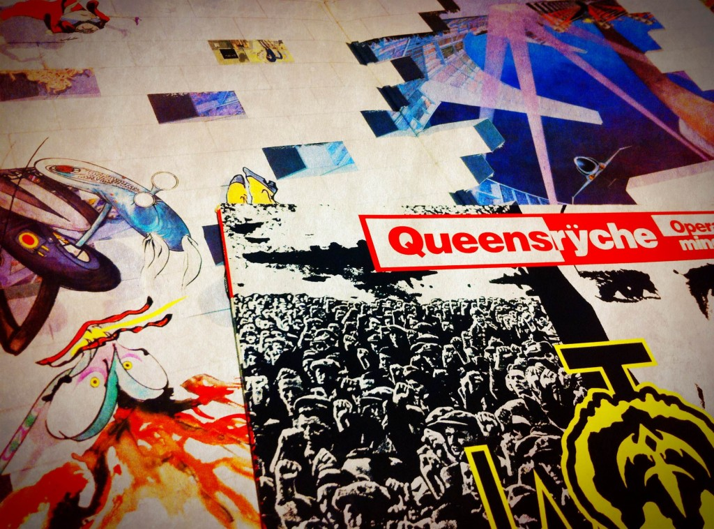 Pink Floydin tupla-albumi The Wall sisältää yllätyshitin Another Brick In The Wall (part 2). Queensrÿchen klassikkoa Operation: Mindcrime nosti esiin biisit Revolution Calling, Suite Sister Mary ja Eyes Of A Stranger.