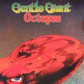 Läpi 70-luvun toiminut Gentle Giant oli progressiivisen rockin innovatiivisimpia yhtyeitä. Lontoolainen bändi teki kunnianhimoista progea, josta kuulsi läpi poikkeuksellista iloa ja häpeilemättömyyttä. Ilakoiva musiikillisuus ja häkellyttävä tahtilaijien viidakko toimi erinomaisesti. Gentle Giant teki muutamia progen klassikoita. Yksi näistä on loppuvuodesta 1972 julkaistu Octopus.