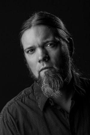 Markus Laakson historiikki yhtyeestä Amorphis julkaistiin syyskuussa 2015.