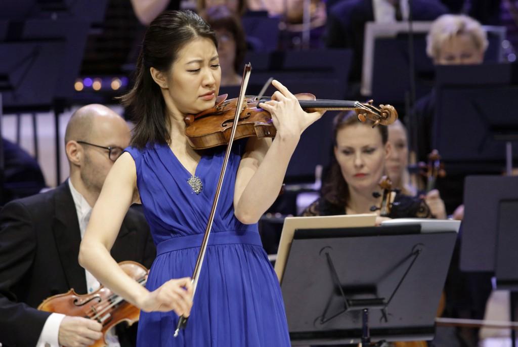 Ennakkosuosikki Christel Lee voitti Sibelius-viulukilpailun 2015.